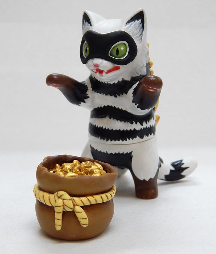 Negora Cat Burgler
